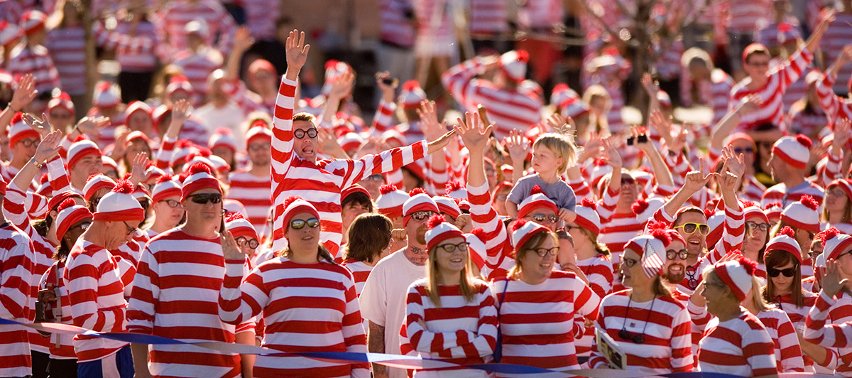Crowd of Waldos